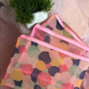 Handbags - Ellen Tracy. Floral Mesh Travel Bags (set of 3)💝